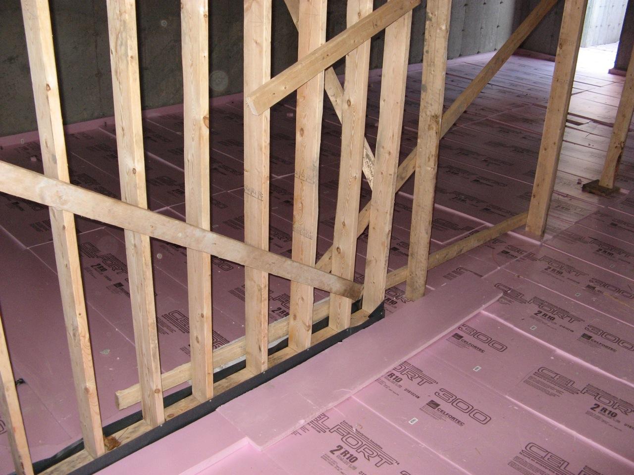 Isoler un sol - Comment isoler un plancher bois ...