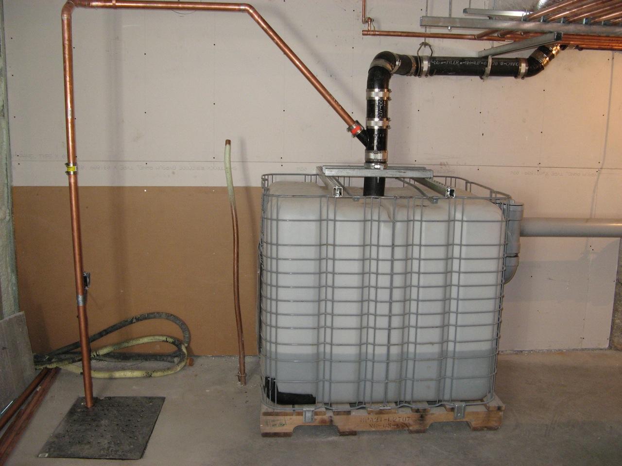 De l eau de pluie dans les toilettes sant et science - Reservoir d eau de pluie ...