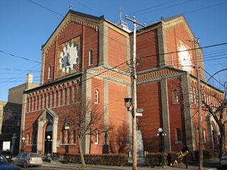 De Boston à Baie-Comeau, l'artiste Guido Nincheri a décoré plusieurs églises, do