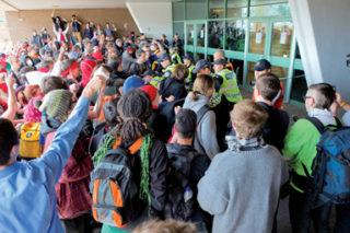 Étudiants et manifestants: droits en péril ?
