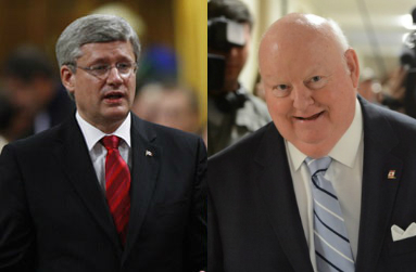 Stephen Harper et son boulet. Photos : PC