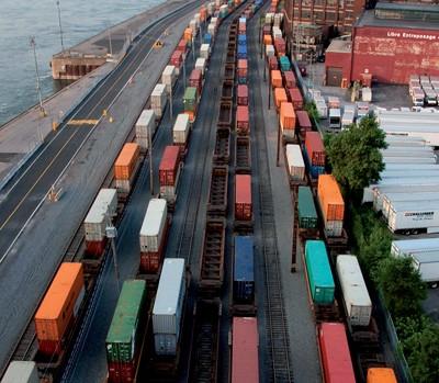 De 2002 à 2011, la proportion des exportations québécoises aux États-Unis est passée de 83,6 % à 67,6 %. - Photo : Mario Beauregard / La Presse Canadienne