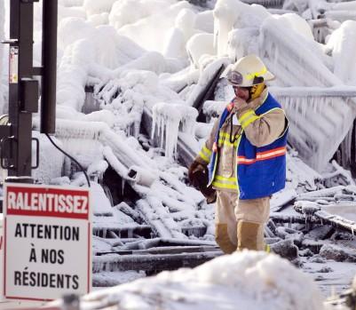 Le tragique incendie de L'Isle-Verte rappelle cruellement aux Québécois que la population vieillit. Et qu'assurer sa sécurité aura un prix. Choix déchirants en vue pour le prochain budget du gouvernement (Photo © Ryan Remiorz / PC)