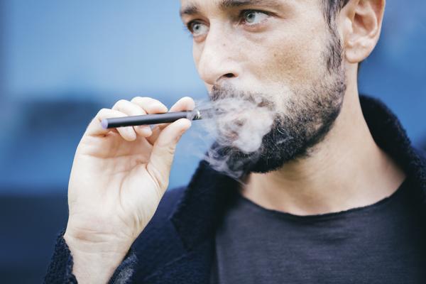 cigarette lectronique fumer sans fumer sant et science l actualit. Black Bedroom Furniture Sets. Home Design Ideas