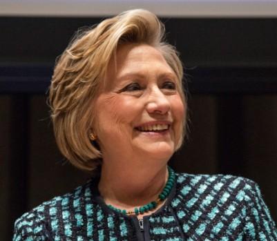 Hillary Clinton semble assurée d'obtenir l'investiture démocrate en vue des prochaines présidentielles. Mais sa campagne sera «hantée» par les échecs d'Obama, prédit John MacArthur. (Photo : Andrew Burton/Getty Images)