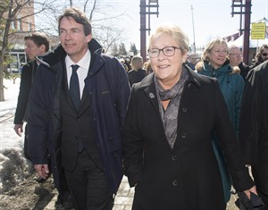 Pauline Marois, Pierre Karl Peladeau,.  Graham Hughes / La Presse Canadienne