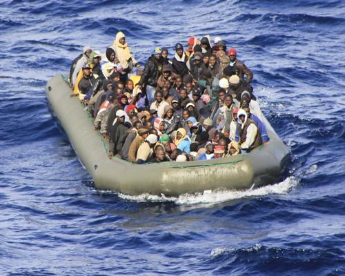 les réfugiés n'ont pas besoin de nos larmes... (the guardian) dans Altermondialisme bateau-1