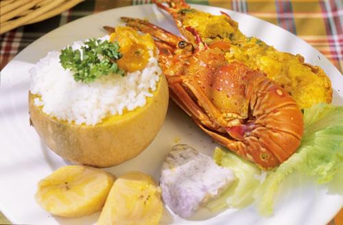 Un homard tel qu'on le sert au Domaine de Robinson, à Anse Noire, en Martinique - Crédit: Luc Olivier/Comité martiniquais du tourisme