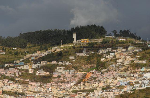 Autour de la vieille ville, des centaines d'habitations s'accrochent aux collines, comme ici, dans le quartier de San Juan -