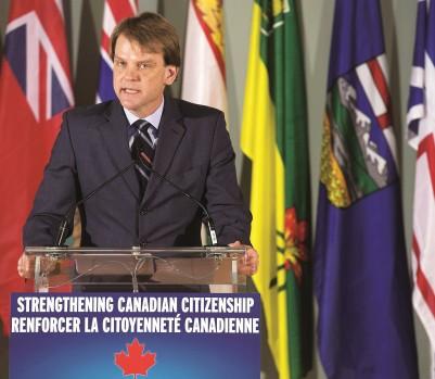 Le ministre Chris Alexander estime que la nouvelle loi protégera mieux la citoyenneté canadienne. (Photo : F. Gunn/La Presse Canadienne)