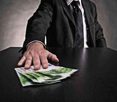 LIVRES euros argent corruption