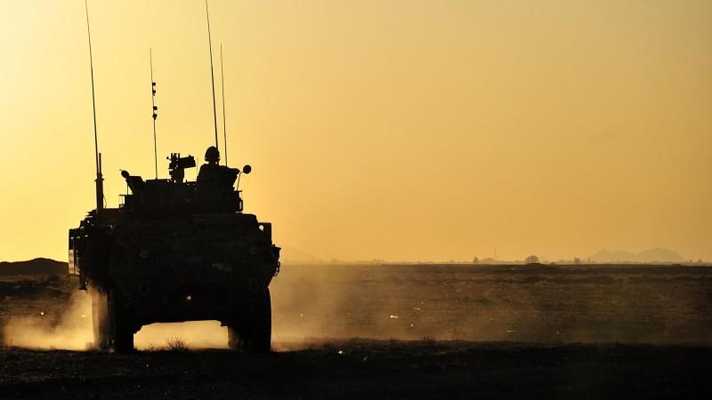 Un véhicule blindé léger canadien en Afghanistan, en 2011. Un contrat d'une valeur de 14 milliards de dollars a été signé 2014 pour la livraison de ce type de véhicules à l'Arabie Saoudite.