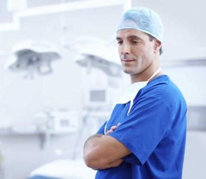 Médecin docteur chirurgien