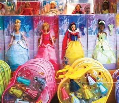 Princesses Disney poupées figurines stéréotypes