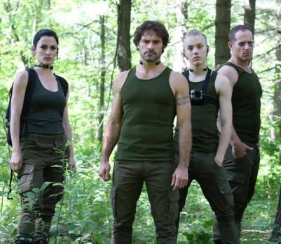 Guillaume Lemay-Thivierge (deuxième à partir de la gauche) reprend le rôle de Max dans la suite du film Nitro. (Photo: Films Séville)