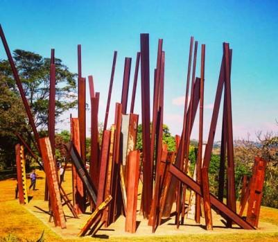 Musée Inhotim Brésil art contemporain Beam Drop Chris Burden