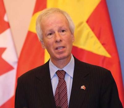 À titre de ministre des Affaires étrangères, Stéphane Dion s'est jusqu'à présent distingué surtout pour les mauvaises raisons. (Photo: Luong Thai Linh/EPA/La Presse Canadienne)