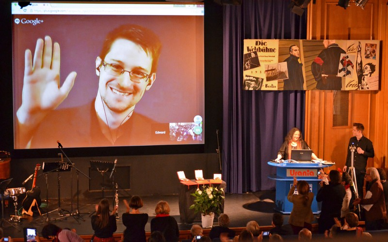 Le lanceur d'alerte américain Edward Snowden, en exil à Moscou, donne régulièrement des conférences à distance. (Photo: Wikimedia Commons / Michael F. Mehnert)