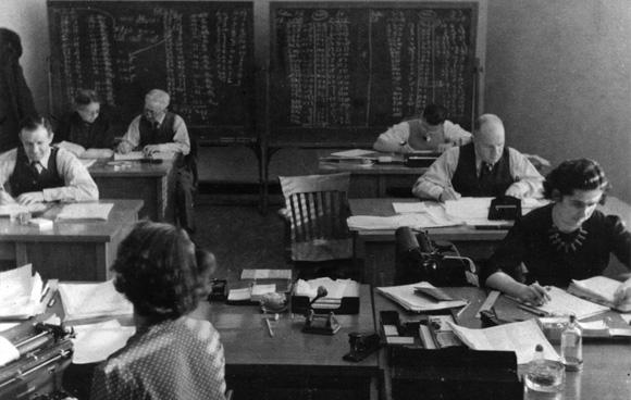 La Sous-section de l'examen était une équipe civile qui avait pour mission de déchiffrer les signaux électroniques ennemis pendant la Deuxième guerre mondiale. (Photo: Centre de sécurité des télécommunications)